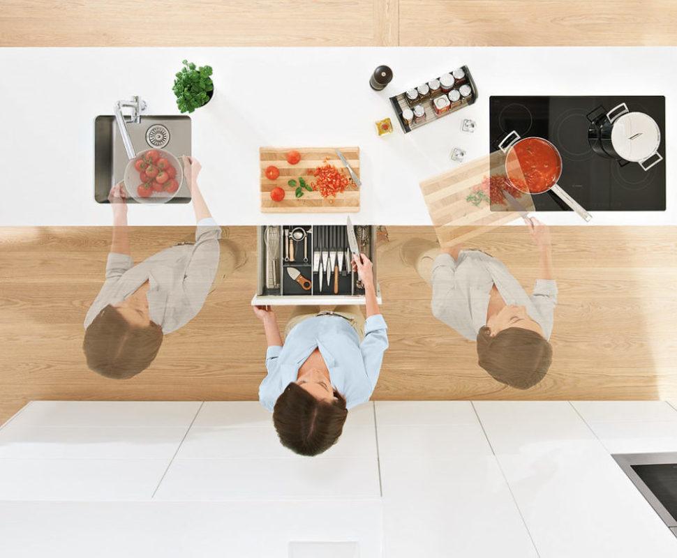 Спроектировать кухню по принципам DYNAMIC SPACE, чтобы избежать лишних перемещений