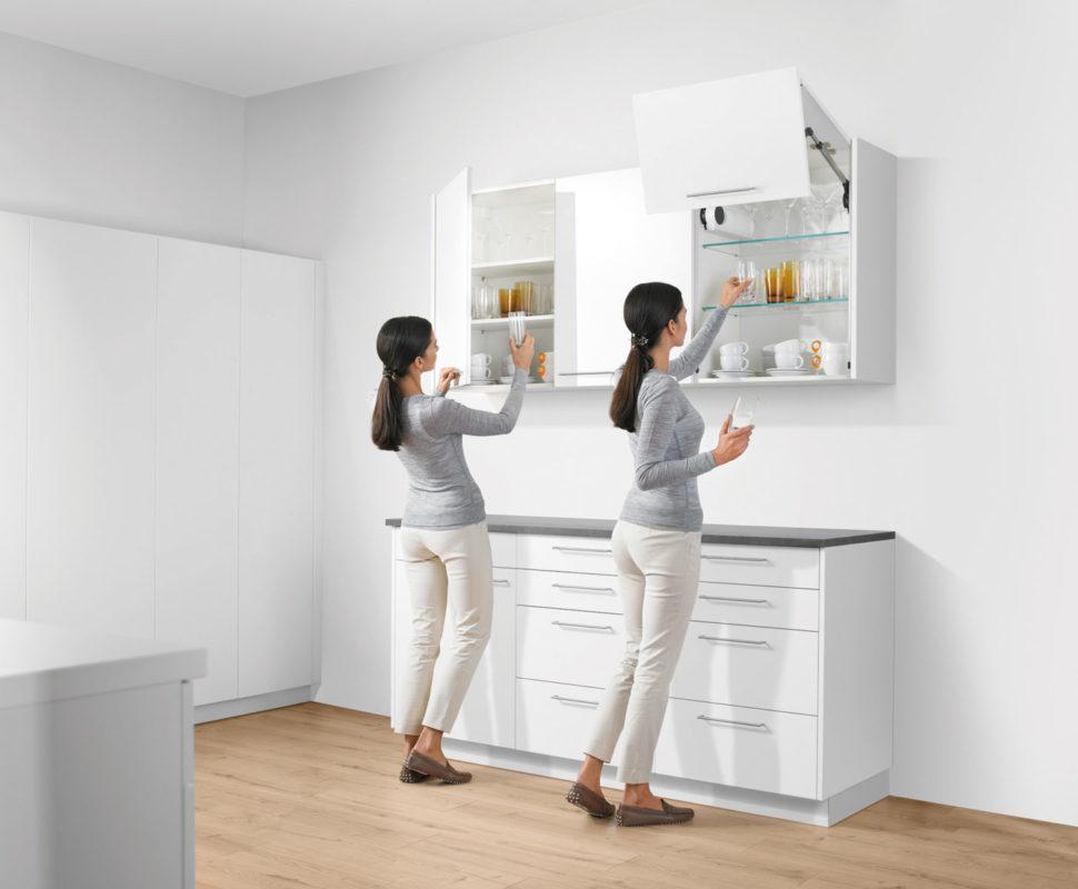 Распашные шкафы или подъемные механизмы?