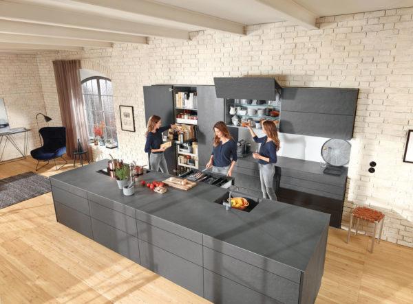 Коммуникации, форма кухни, зонирование, высота рабочей поверхности - на тест-драйве кухни узнаешь, на что обратить внимание при планировании