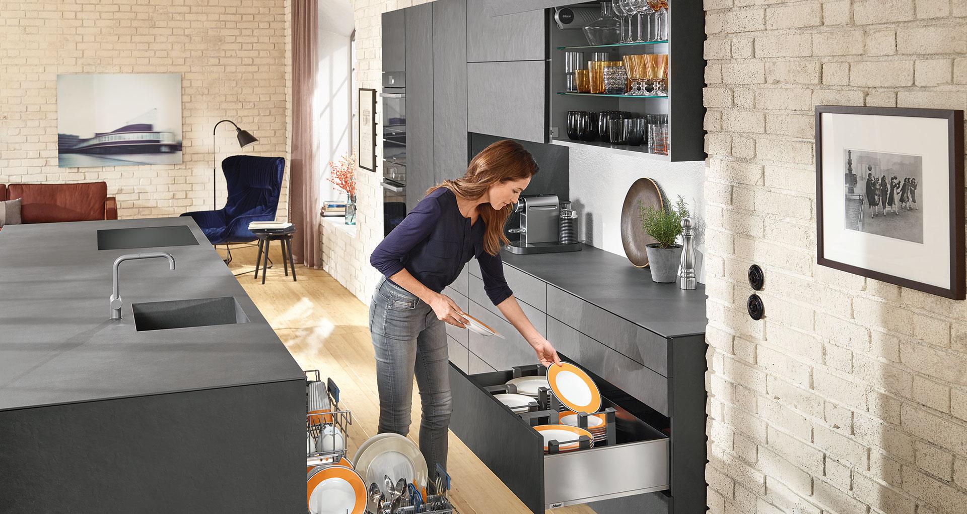 Дизайн кухни должно подчеркивать ее комфорт и эргономику