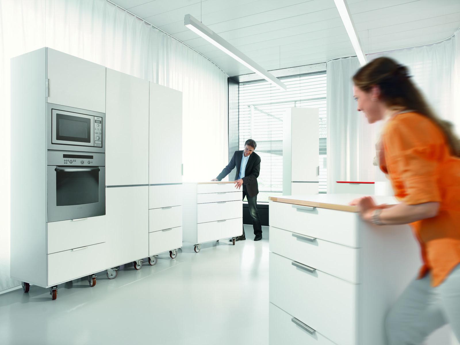 Что такое тест-драйв кухни от Blum и как он происходит? Смоделировать проект кухни с корпусами реального размера