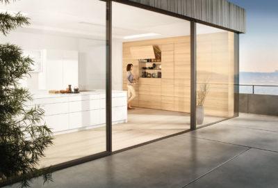 Фасады без ручек - тренд в мире мебели. С технологиями движения от Блюм открывать и закрывать их легко и удобно
