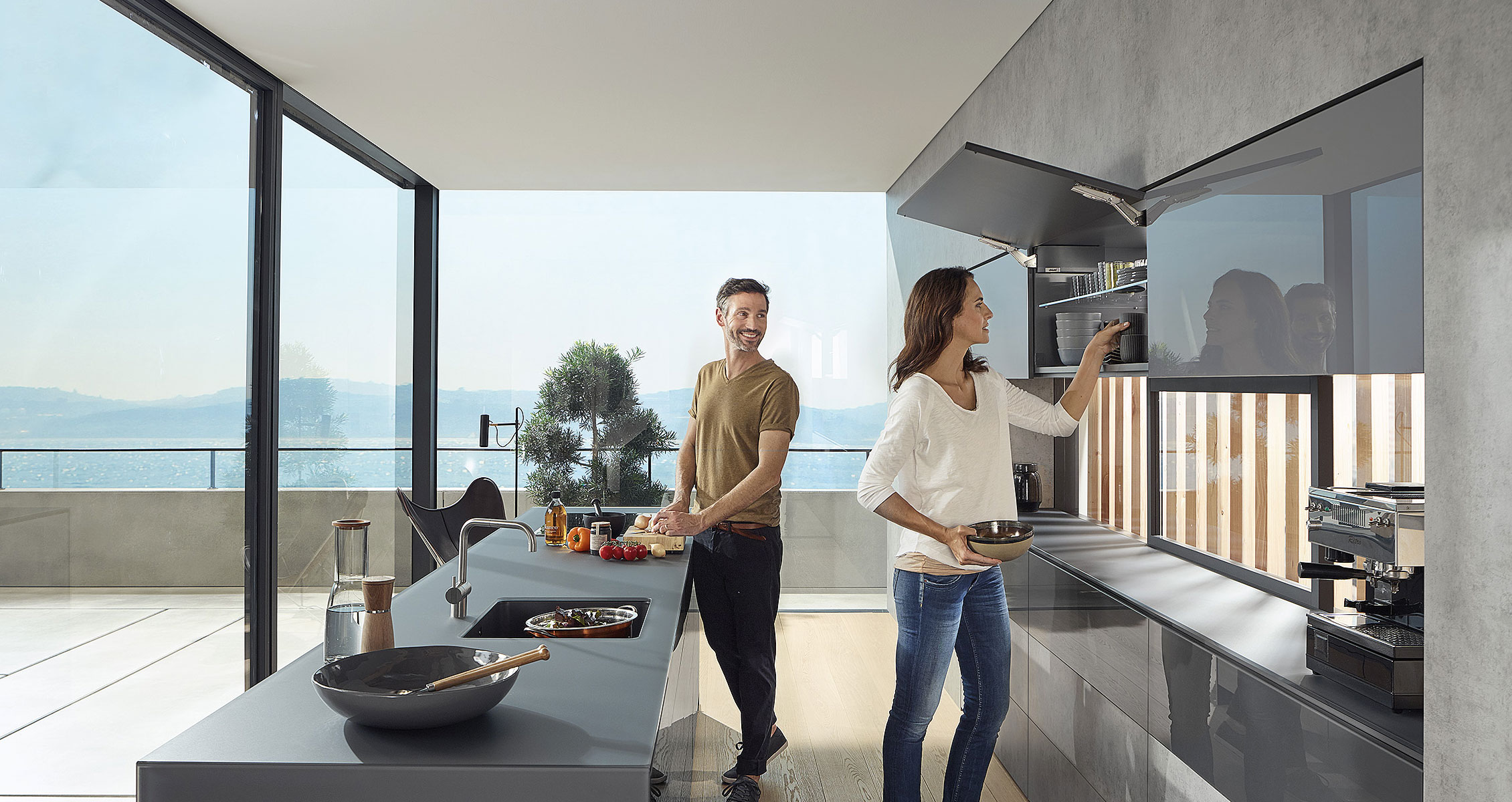 Дизайн-ідеї та практичні поради для нової кухні з фурнітурою Блюм