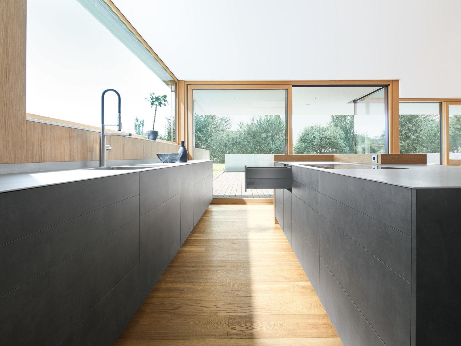 Правильна кухня: поєднання сучасного дизайну та практичних рішень